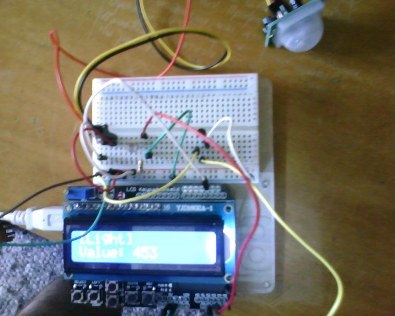 Arduino: Monitor sensors with an LCD display and a Keypad